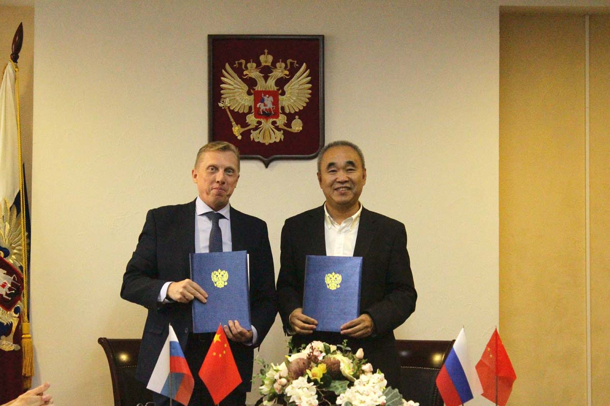 The St. Petersburg University of Management Technologies and Economics signed a cooperation agreement with Dalian University